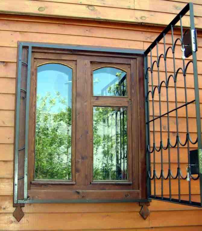 железную решетку на окна поставить