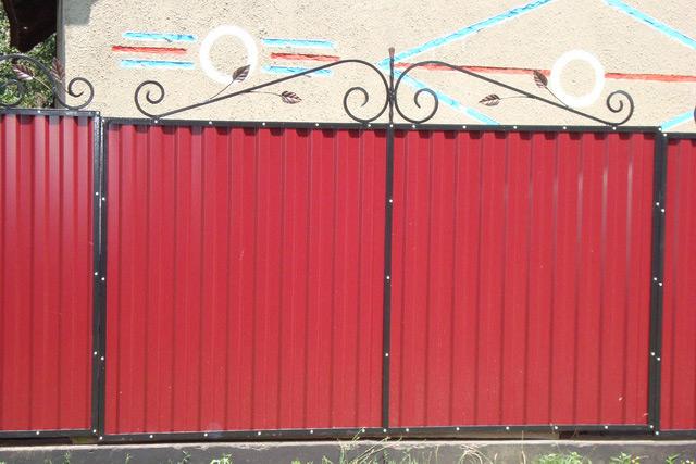 Ворота из профнастила своими руками с ковкой